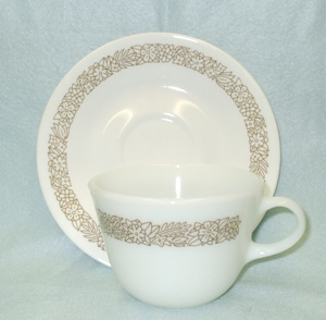 Corelle Pyrex Woodland Brown Cup & Saucer Set