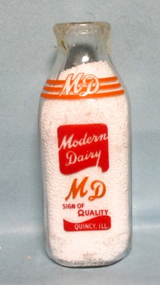 Modern Dairy Quincy ILL. Sign Of Quality Quart Square Milk Bottle - Product Image