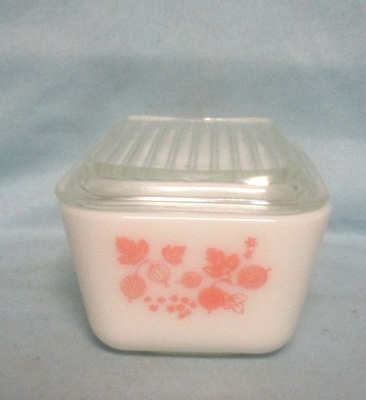 Pyrex Pink Gooseberry Pattern Med Refigerator Dish. - Product Image