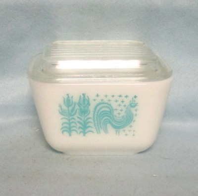 Pyrex Turquoise Amish Pattern Small Referigator Dish - Product Image