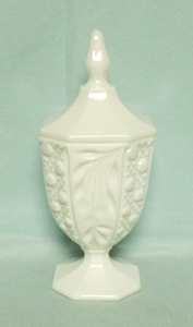 "Milkglass L.E. Smith 9"" Alternating Cane & Fruit Candy Box - Product Image"