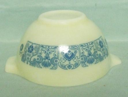 "Pyrex Blue Horizon Cinderella 6"" Mixing Bowl - Product Image"