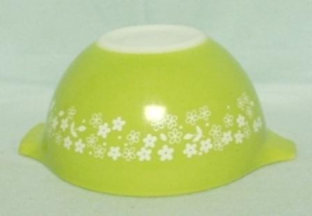 "Pyrex Crazy Daisy Cinderella 6"" Mixing Bowl - Product Image"