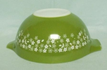 "Pyrex Crazy Daisy Cinderella 7 1/2"" Mixing Bowl - Product Image"