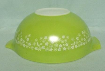 "Pyrex Crazy Daisy Cinderella 9"" Mixing Bowl - Product Image"