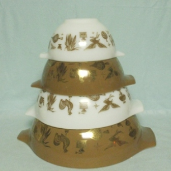 Pyrex Early American Cinderella 4 Pc. Mixing Bowl Set - Product Image