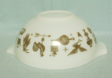 """Pyrex Early American Cinderella 7 1/2"""" Mixing Bowl - Product Image"""