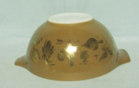 """Pyrex Early American Cinderella 9"""" Mixing Bowl - Product Image"""