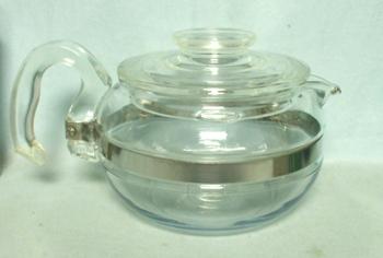 Pyrex Flameware 6 Cup #8446-B Tea Pot - Product Image