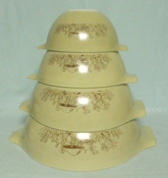 Pyrex Forest Fancies Cinderella 4 Pc. Mixing Bowl Set - Product Image
