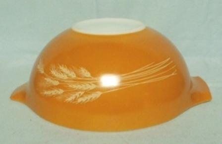 "Pyrex Wheat Cinderella 9"" Mixing Bowl - Product Image"