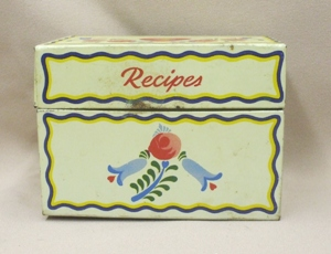 Vintage Metal w Blue Flowers Kitchen Recipes Box - Product Image