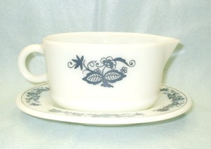 Corelle Pyrex Old Town Blue Gravy Boat & Tray - Product Image
