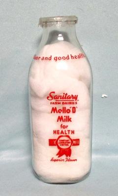 "Sanitary Farm Mello""D""Milk Dairies 1 Quart Square Milk Bottle - Product Image"