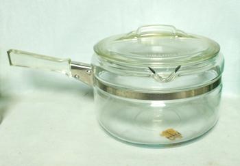Pyrex Flameware #6324-B- 1 1/2 Qt Sauce Pan & Lid - Product Image