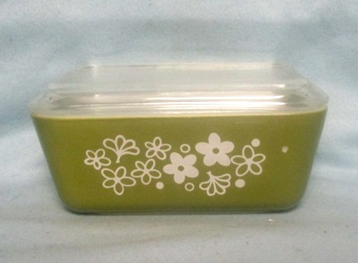 Pyrex Spring Blossom Pattern Med Refigerator Dish. - Product Image