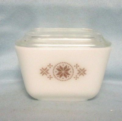 Pyrex Town & Country Pattern Small Referigator Dish w Brown - Product Image