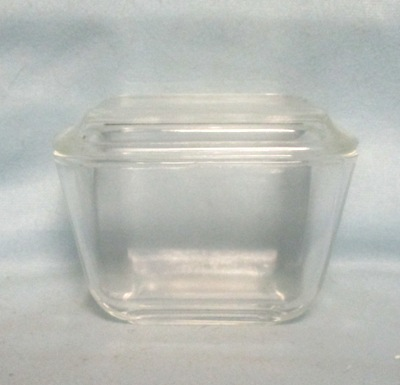 Pyrex Rare Clear Pattern Small Referigator Dish - Product Image
