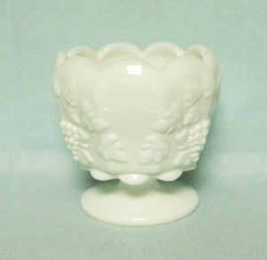 "Westmoreland Paneled Grape Milkglass 4"" Cupped Ftd Jardiniere - Product Image"
