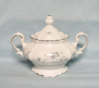 John Haviland Blue Garland Sugar Bowl & Lid - Product Image