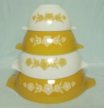 Pyrex Butterfly Gold Cinderella 4 Pc. Mixing Bowl Set - Product Image
