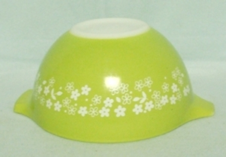 "Pyrex Crazy Daisy Cinderella 6"" Mixing Bowl - Product Image"