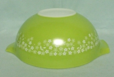 "Pyrex Crazy Daisy Cinderella 9"" Mixing Bowl - Product Image"