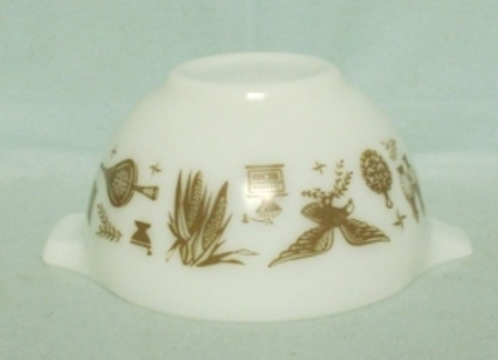 "Pyrex Early American Cinderella 10 1/2"" Mixing Bowl - Product Image"