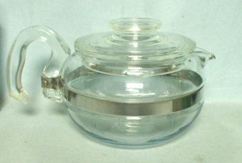 Pyrex Flameware 6 Cup #8446-B Tea Pot - Product Image