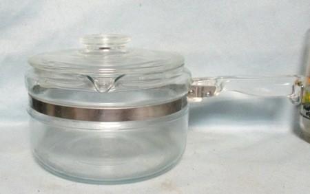 Pyrex Flameware #6213-B- 1 1/2 Qt Sauce Pan & Lid - Product Image