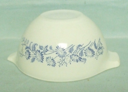 "Pyrex Misty Daisy Cinderella 6"" Mixing Bowl - Product Image"