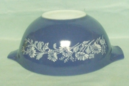 "Pyrex Misty Daisy Cinderella 7 1/2"" Mixing Bowl - Product Image"