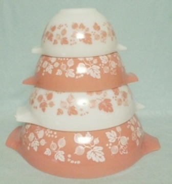 Pyrex Pink Gooseberry Cinderella 4 Pc. Mixing Bowl Set - Product Image