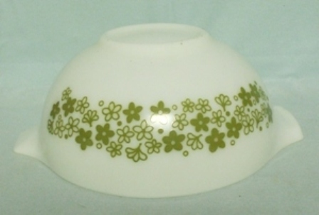 "Pyrex Spring Blossom Cinderella 9"" White Mixing Bowl - Product Image"