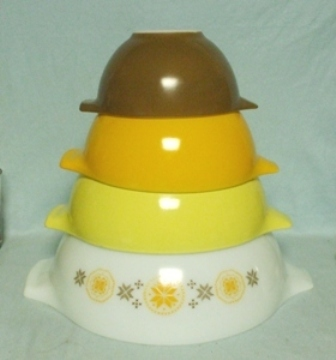 Pyrex Town & Country Orange Cinderella 4 Pc. Mixing Bowl Set - Product Image