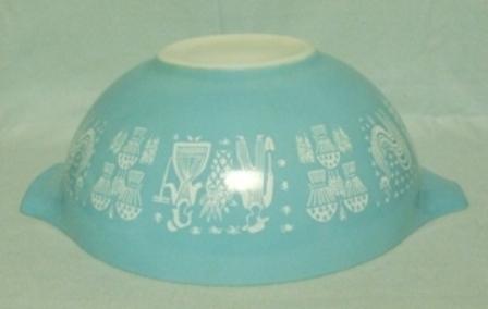 "Pyrex Turquoise Amish Cinderella 10 1/2"" Turquoise Mixing Bowl - Product Image"