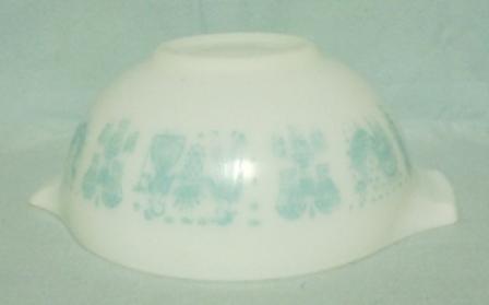 "Pyrex Turquoise Amish Cinderella 9"" White Mixing Bowl - Product Image"
