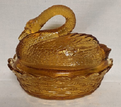 Unmarked Gold Swan on Basketweve Nest - Product Image