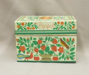Vintage Metal w Strawberries Kitchen Recipes Box - Product Image
