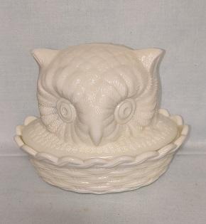 Westmoreland Custard Glass Owl on the Nest - Product Image