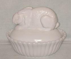 Westmoreland Milkglass Rabbit on Nest - Product Image
